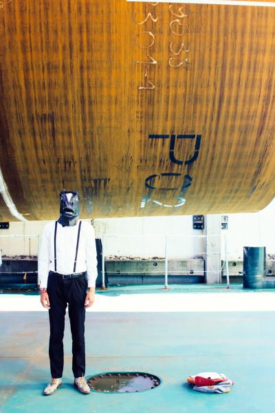 Fotodoos fotoshoot met latex paarden masker